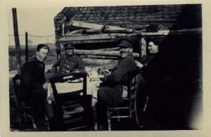 Z Company at tea - Billet nr Offoy 1917